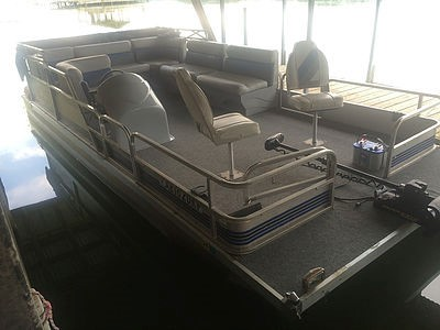 20' Fishing Pontoon.jpg