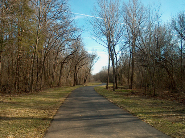 An empty Hamestring Creek Trail on a late fall day